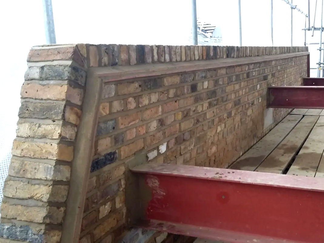 picture of a brickwall after repointing completed by kabrickwork