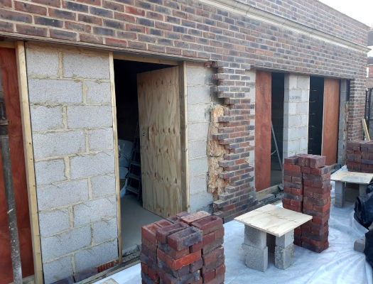 picture of garages during bricklaying by ka brickwork contractor